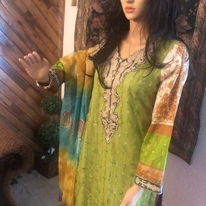 Very pretty Indian pakistani trouser suit